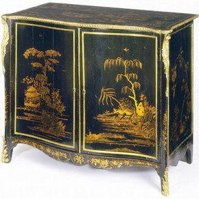 Japanned cabinet, 1765. Victoria & Albert Museum, Londra
